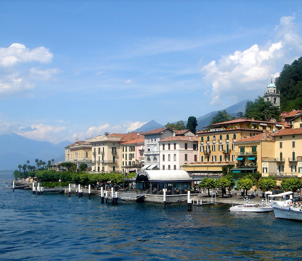 A picture of Bellagio, a town in italy